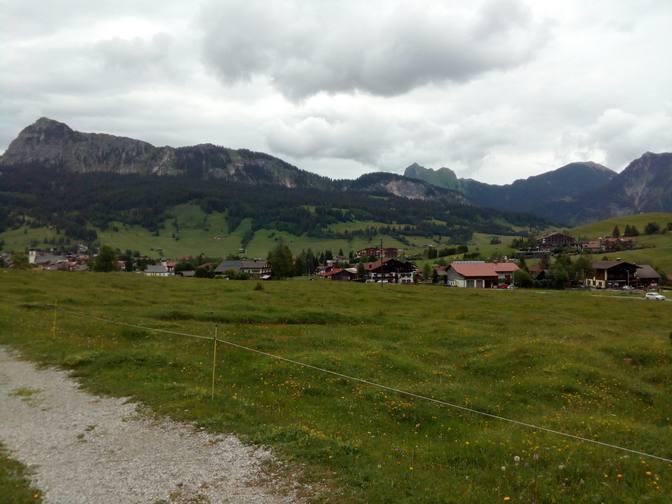 Blick zurück auf Tannheim, den Einstein (links), Gimpel und Rote Flüh