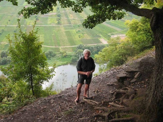 Wolfgang auf einer Wanderung oberhalb der Mosel
