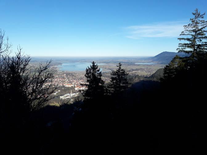 Blick vom Dreiländereck bei Pinswang auf die Füssener Seenlandschaft.