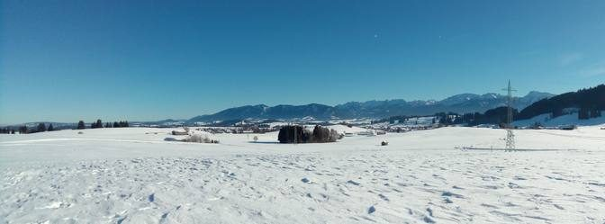 Roßhaupten mit Bergpanorama