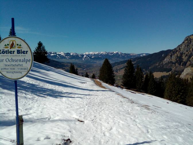 Erster Blick ins Ostrachtal mit den Allgäuer Alpen