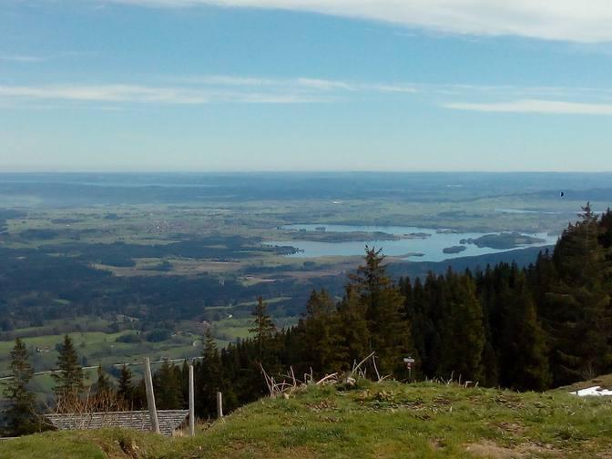 Blick auf Staffelsee, Starnberger See und am Horizont München