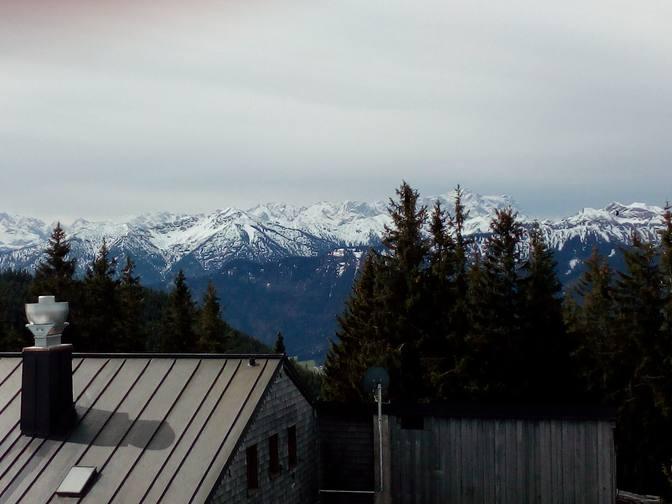 Erster Blick auf die Berge von der Hörnle-Hütte