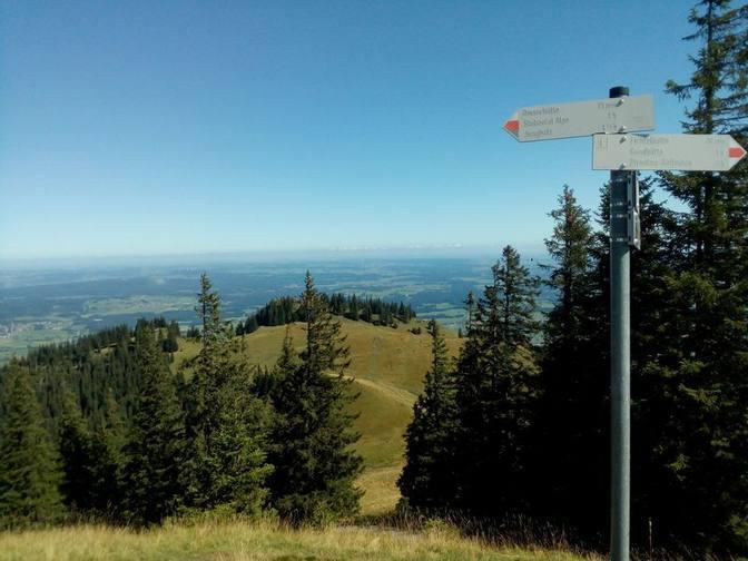 Vom Edelsberg kann man auch nach Jungholz wandern