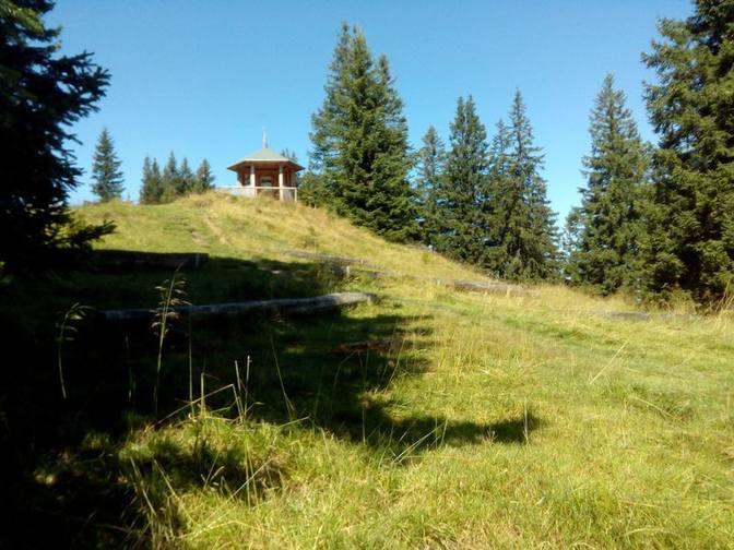 Der Edelsberg bietet einen schönen Platz für Bergmessen