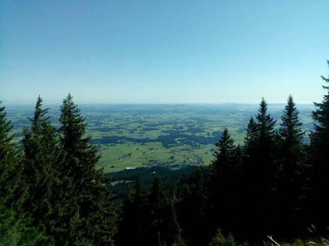 Der Ausblick vom Gipfel des Alpspitz ins Unterallgäu