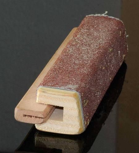 Schleifblock in verschiedenen Körnungen zum trockenen Schleifen von Schrunden und der Hautoberfläche
