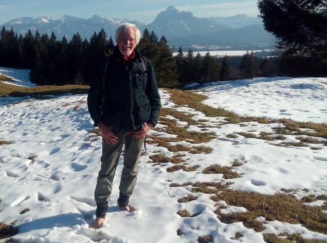 Wolfgang barfuß im Winter