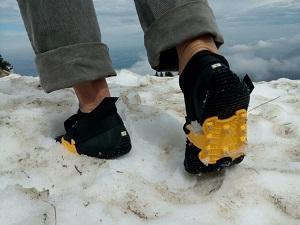 Die Grödel geben Grip auf Schnee und Eis