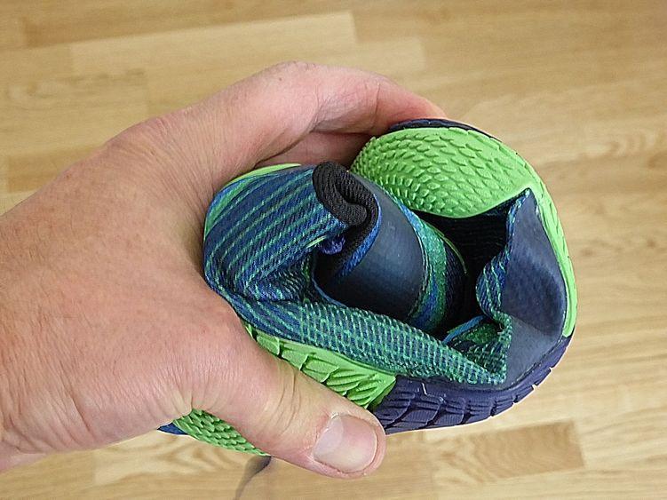 Der Merell Minimalschuh lässt sich leicht zusammenrollen