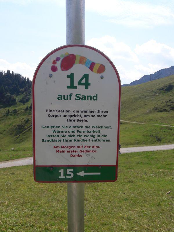 """Schild """"Auf Sand"""""""