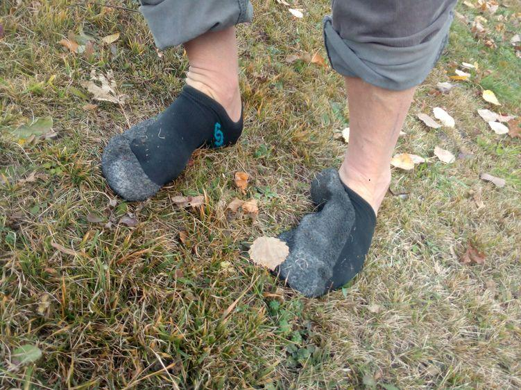 An steilen Hängen dreht sich der Skinners in trockenem Zustand um den Fuß