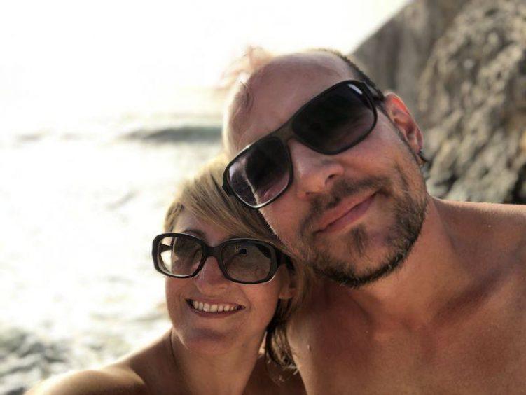 Matt und Christine am Strand auf Lanzarote