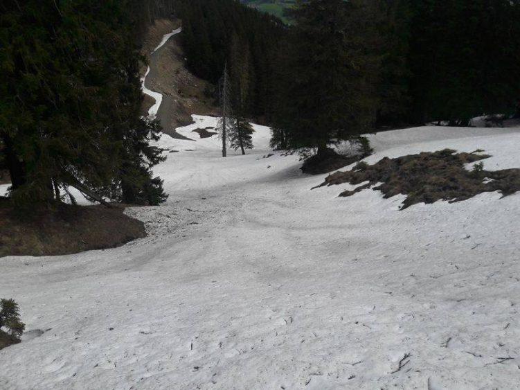 Der Weg ist im Schnee nicht mehr zu sehen