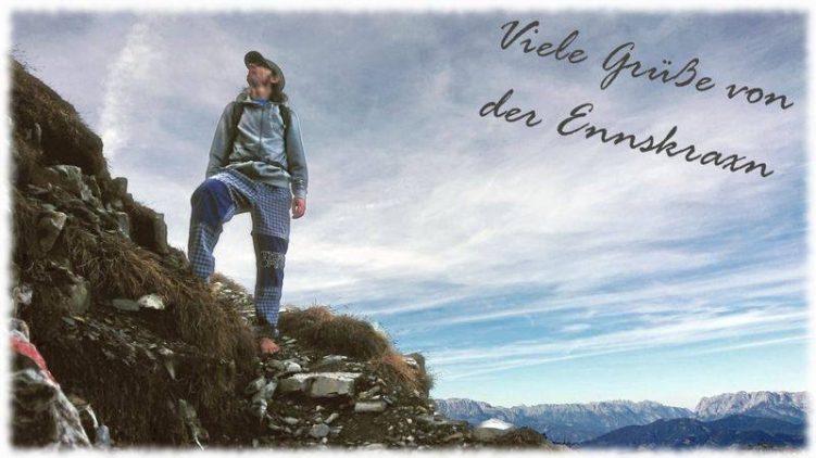 Barfuß auf dem hochalpinen Gipfel