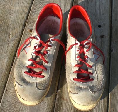 Die Laufschuhe von Brütting sind noch aus Leder