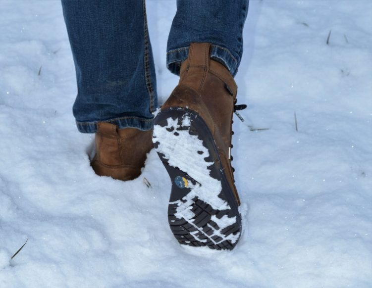 Der Lems Boulder Boot bietet guten Grip auf Schnee