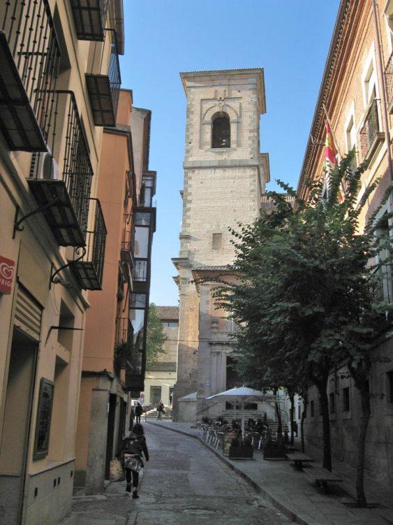 Altstadtgasse mit Turm